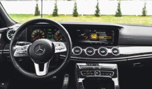 Versnellingsbak vervangen of reviseren in uw auto?